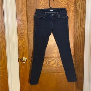 Dark rinse skinny vintage jeans by GUESS size 28